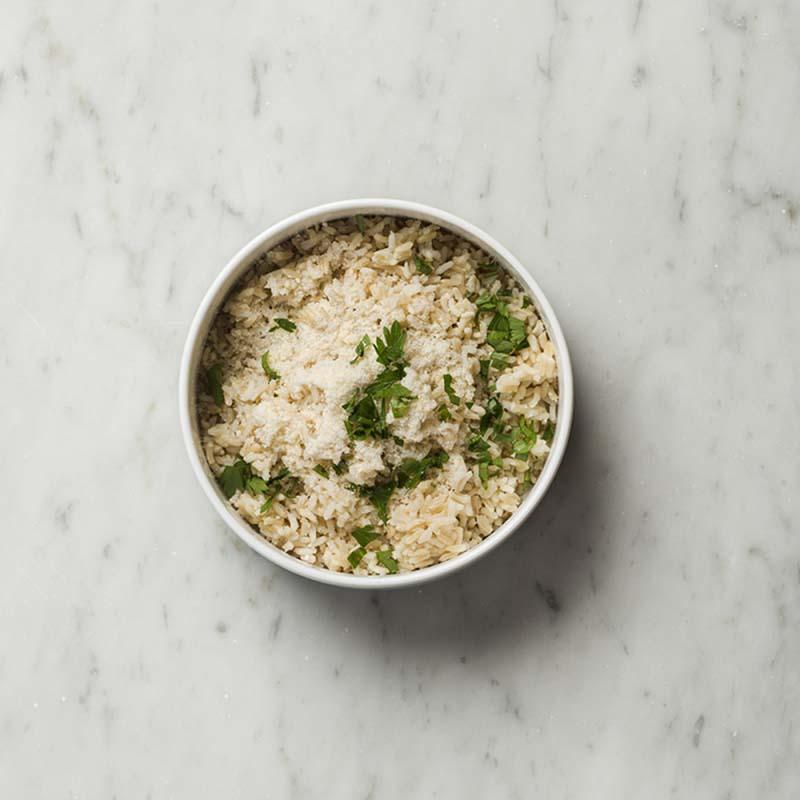 arroz-integral-horneado-con-parmesano-y-hierbas