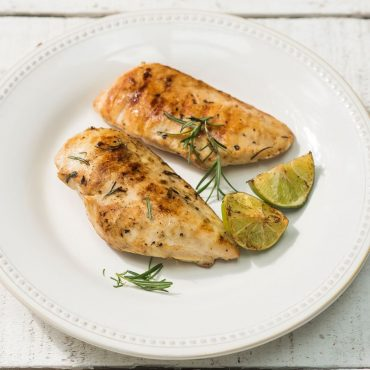 pechugas-de-pollo-al-limon-y-romero