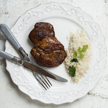 medallones-de-cerdo-con-salsa-miso