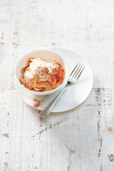 pasta cremosa con tomate y pollo