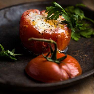 tomates-rellenos-de-huevo