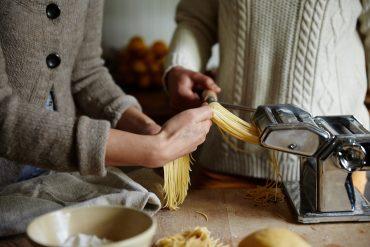 el encanto de cocinar en pareja