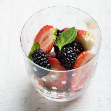 ensalada-de-fresas-y-moras