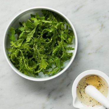 ensalada-de-arugula-con-olivo-y-limon