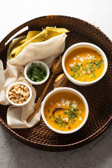 Sopa-de-ayote-mantequilla-con-jegibre-y-chiles