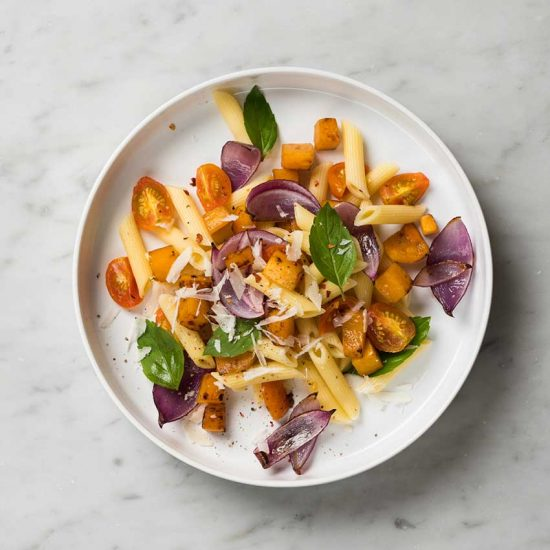 pasta-con-vegetales-rostizados-y-albahaca