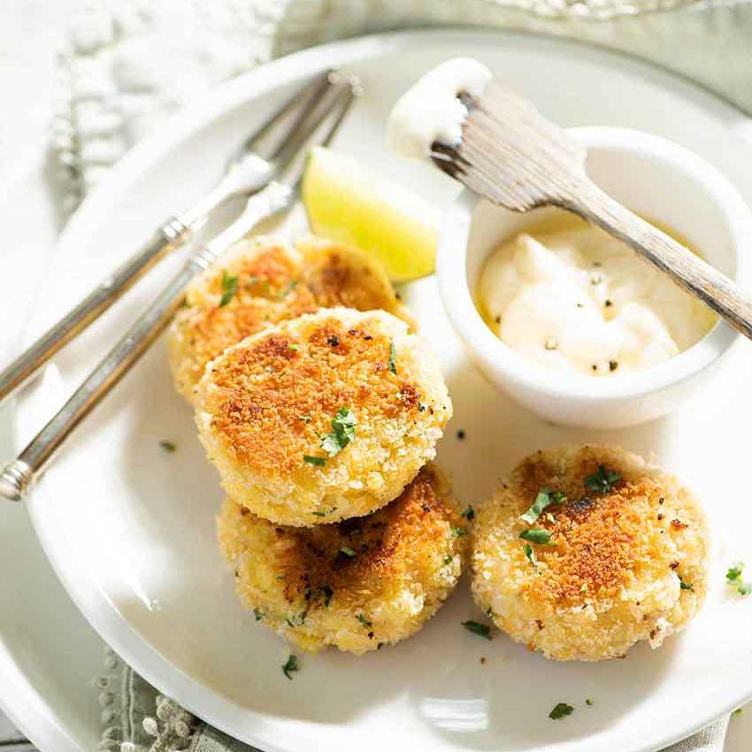 Fish-cakes-con-aioli-de-azafrán-sq